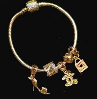 Luxury bracelet with chams
