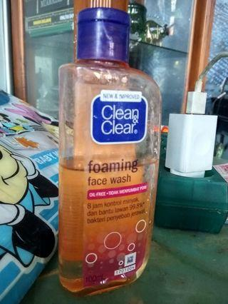 Clean&Clear Foaming Facial Wash