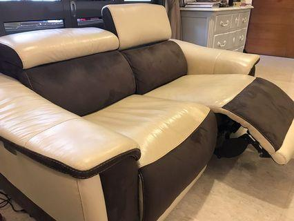 🚚 3+2 full leather sofa with motorised extendable leg rest