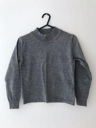 🚚 Grey crop Pullover