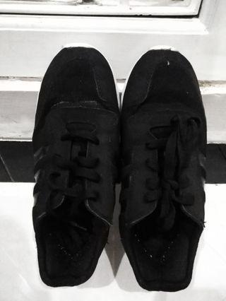Adidas Black Premium (no box)