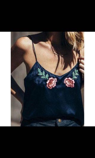 🚚 Floral silk embroidered cami top