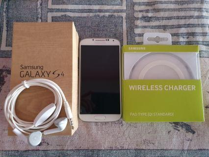 Samsung Galaxy S4 White Frost Free Samsung Wireless Charger