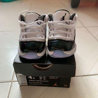 Baby Jordan Jordan Retro 11 Low in white