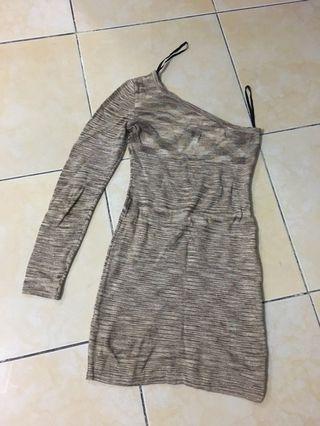 Bebe off shoulder dress (NETT)