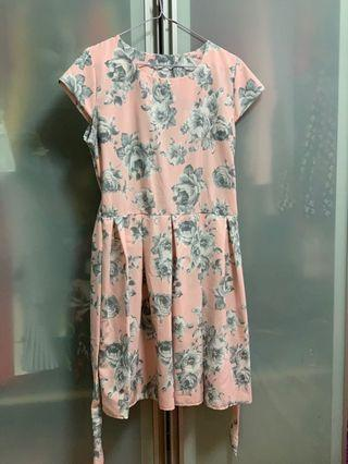 🚚 Brand new Pink Floral Dress