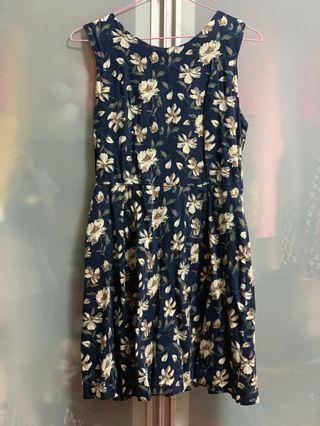 🚚 Blue Floral Dress