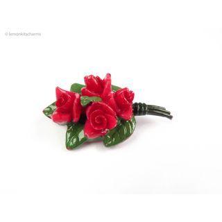 Vintage 1950s Japan Roses Plastic Brooch Pin, bh284