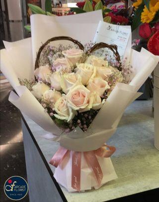 "20 Stalks ""Snow-White"" Roses🌹w/ Baby Breath Heart-Shaped❤️ (Fresh Flower Bouquet💐) | Rose Flower | Flower Bouquet | Flower | Flowers | Fresh Flower | Rose | Roses | Mother's Day Bouquet"