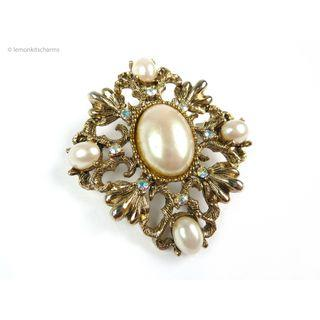 Vintage 1960s Faux Pearl Victorian Style Brooch Pin, bh292