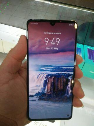 99% almost new huawei p30 128gb 8ram