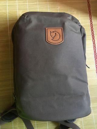 Fjällräven Kiruna Backpack - Dark Olive Color