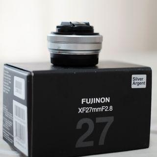 Lensa Fujinon XF 27mm F2.8 Silver Agent Fujifilm Pancake Lens