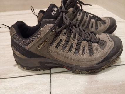 Salomon contagrip hiking shoes size US 10 better than adidas nike