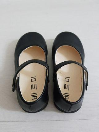 🚚 Kids red black white covered shoes korean