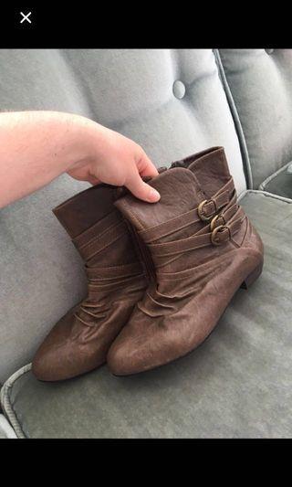 Brown boots!  #SwapNZ
