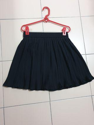 BN Pleated Shorts Skirt
