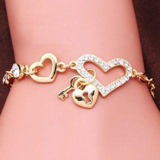 Bracelet heart shape