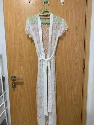 🚚 White Lace Bridal Robe
