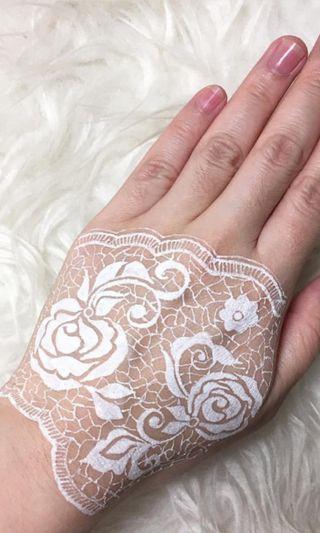 🚚 White lace Henna