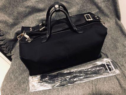 🚚 Jet Black Doctors Bag
