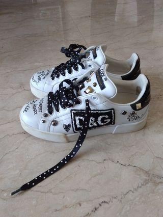 Dolce&Gabbana size 37 Authentic !!!