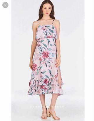 🚚 TCL Eunise Floral Printed Midi Dress