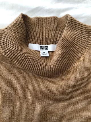Uniqlo Wool Top
