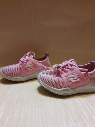 Kasut budak (girls shoes)