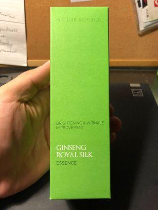 Ginseng Royal Silk Brightening and Wrinkle Improvement Essence