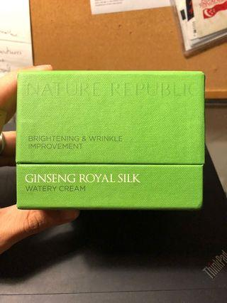 Ginseng Royal Silk Brightening & Wrinkle Improvement Watery Cream