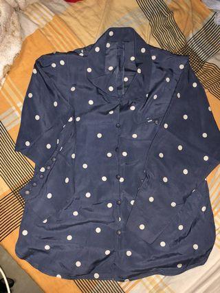 藍色波點恤衫
