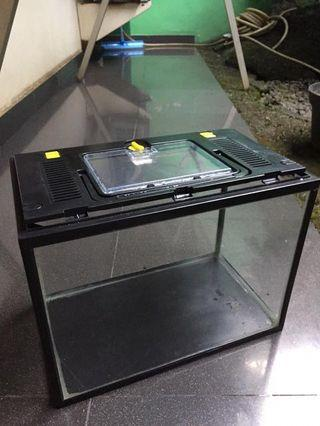 Aquarium murah ex Kandang Hamster size S (31x18,5x24,4cm) merk Nikita + tutup