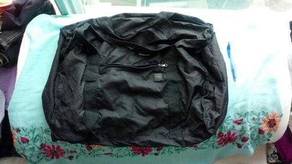 Large Black lightweight travel bag 黑色旅行實用大袋