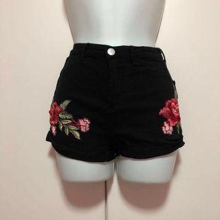 TEMT black floral embroidered shorts