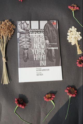 Poetry Tidak Ada New York Hari Ini (AADC) karya M. Aan Mansyur