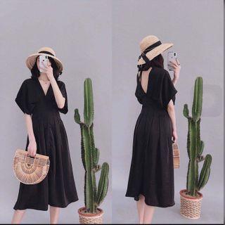 (BN) Black Pleated High Waist Midi Dress