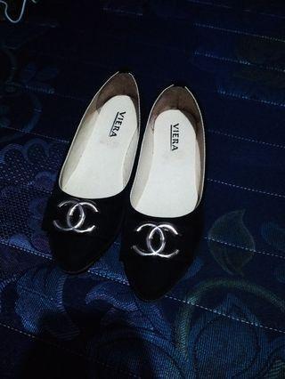 #BAPAU Flat Shoes hitam uk 38 with box