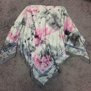 Hijab Square bahan Silk jatuh (106x106)