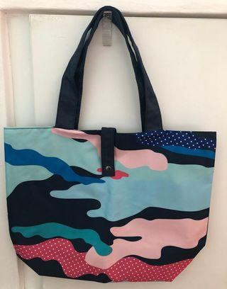 🚚 Stylish Colourful Waterproof Tote Bag Black Blue Pink Red