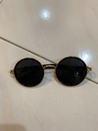 Trendy round frame glasses