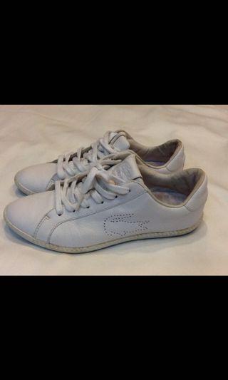 Lacost-真皮小白鞋