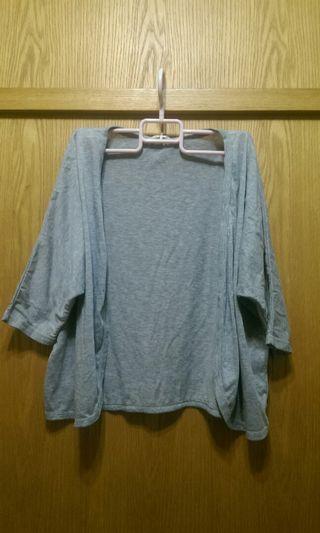 灰色七分袖落肩款罩衫