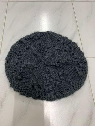 🚚 H&M knitted beret in dark grey
