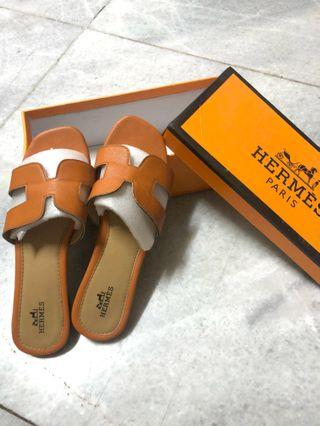 (REAL PICTURE) HERMES 1:1 MIRROR ORANGE SANDALS