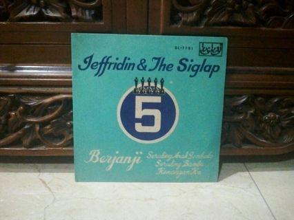 Ep...Vinyl...Jeffridin & The Siglap Five Seruling Bambu  Piring hitam