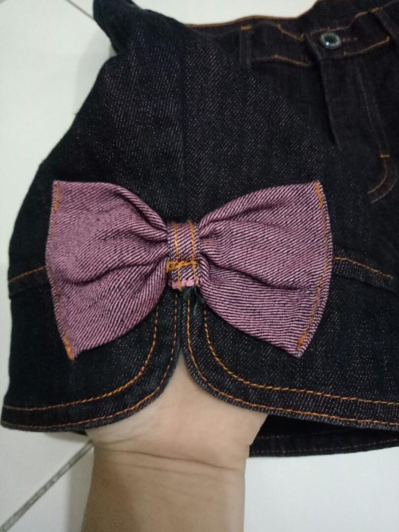 Celana Pendek gambar Hello Kitty