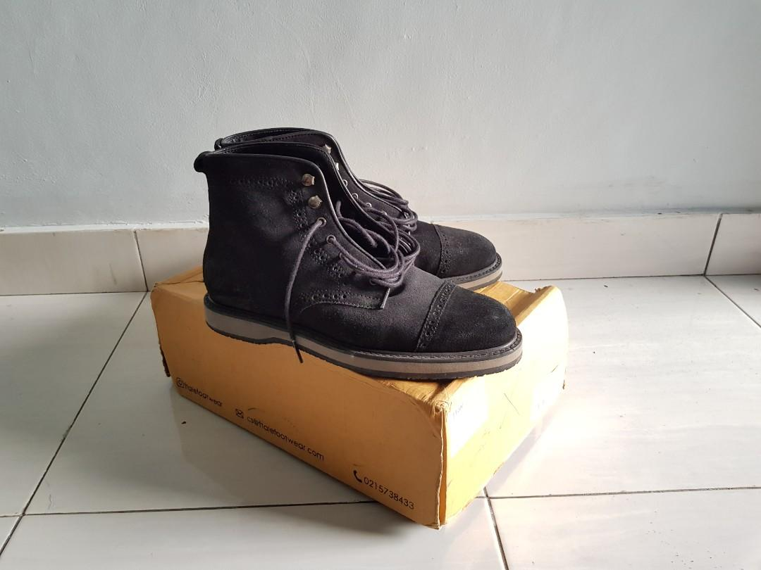 FTALE BOOTS NOT CLARKS REDWING