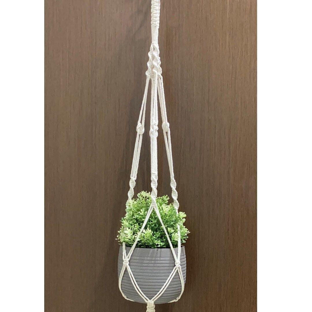 Handmade Macrame Plant Holder (004)