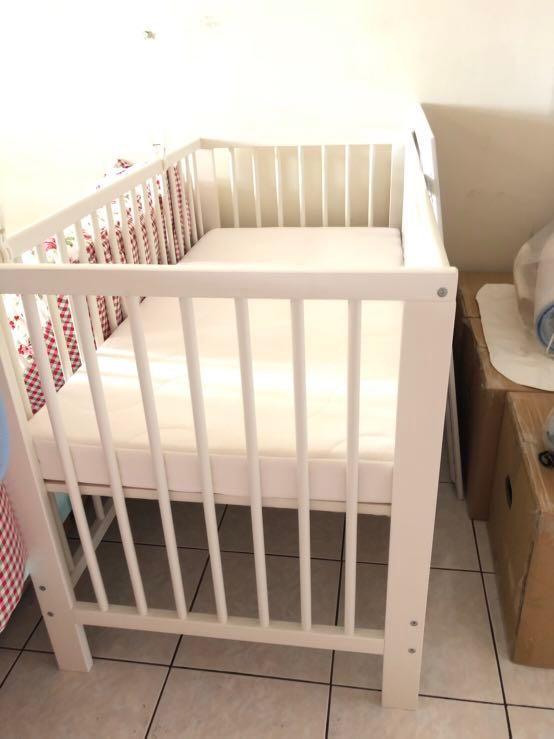 二手ikea 嬰兒床+床墊